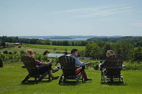 5 Hour Traverse City Wine Tour_ 5 Wineries on Old Mission Peninsula