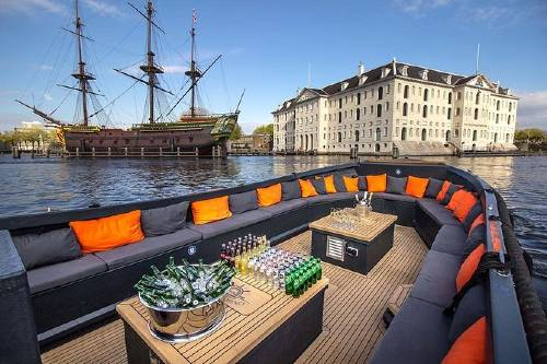 Amsterdam Canal Cruise in Luxury Open Boat - Small Group - from Anne Frank House