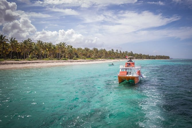 happy fish catamarans - shallow waters